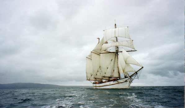 Historic tall ship returns to Victoria Harbour